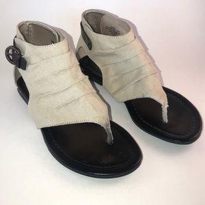 Nine West tan canvas sandal, size 6, NWOT